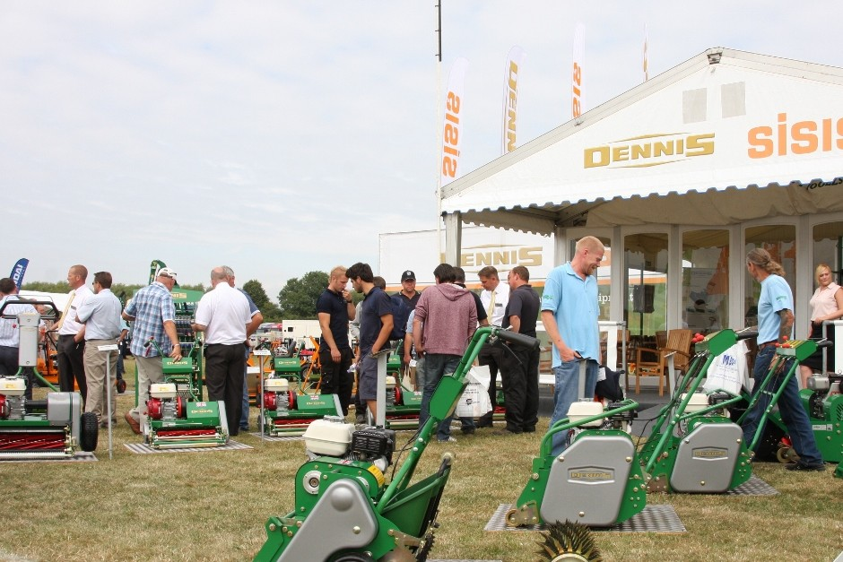 Dennis Shows Cutting Edge Technology At Saltex 2014