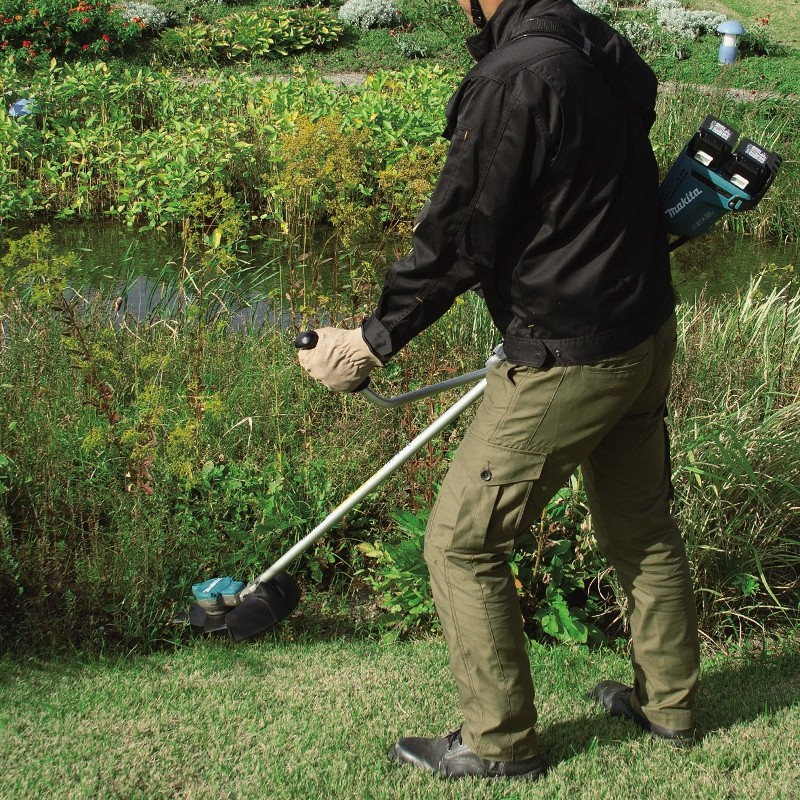 Makita Displays 4-Stroke Muscle And Quiet Cordless At Saltex 2015
