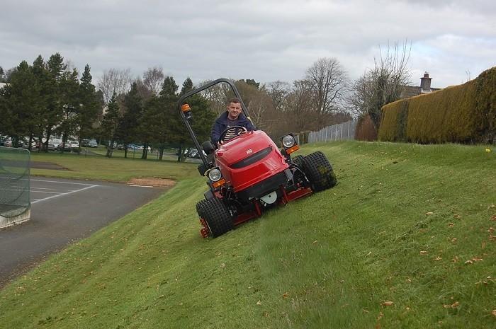 Shibaura Sg280 Slope Mowers Are On The Up In Belfast