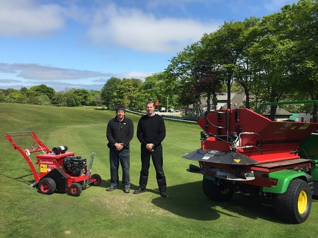 The Redexim Ds800 Top Dresser Is Compact But Very Effective
